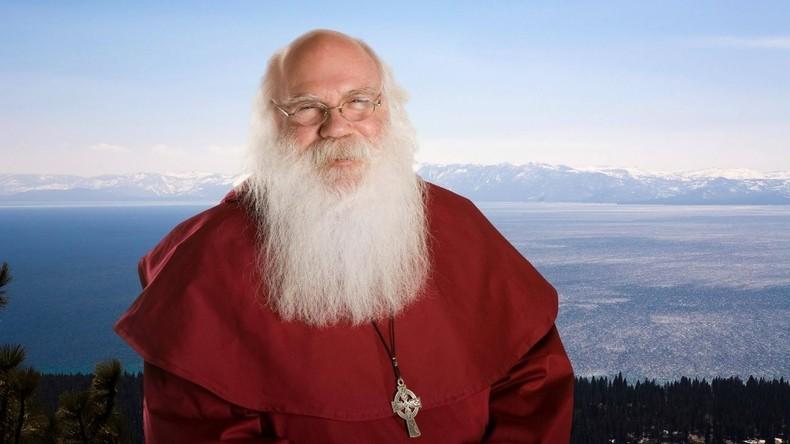 """""""Facebook"""" gibt Santa Claus dessen Profil zurück"""