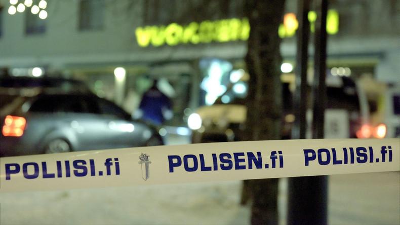 Helsinki: Auto rast in Menschenmenge