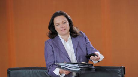 Feldzug gegen den Sozialstaat: Andrea Nahles, Bundesministerin für Arbeit und Soziales, legt bei den unteren Einkommensgruppen die Axt an.