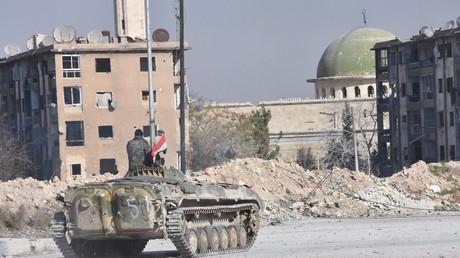 Syrische Regierungstruppen in der Nähe einer Moschee in Aleppo's Stadtteil Al-Haidariya, 28. November 2016.
