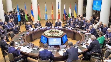 Die Gemeinschaft Unabhängiger Staaten bleibt das wichtigste Integrationsprojekt für die Russische Föderation. Auf dem Bild: Tagung der gemeinsamen Parlamentskommission der GUS-Staaten am 24. November 2016 in Sankt Petersburg.