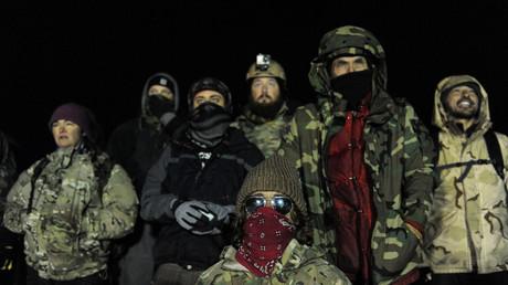 US-Veteranen bauen Wohncontainer für Dakota-Pipeline-Protestler