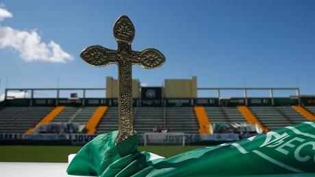 Flugzeugunglück in Kolumbien: Die Leichen der Fußballspieler werden im Heimstadion aufgebahrt