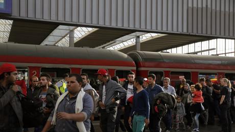 Trotz sinkender Migrantenzahlen: Deutsche nennen Flüchtlinge größtes Problem