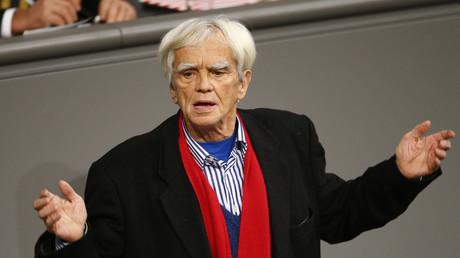 Hans-Christian Ströbele (Bündnis 90/Die Grünen) im Bundestag.