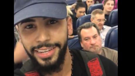 YouTube-Star spricht Arabisch im Flugzeug der Delta Air Lines und wird abgesetzt