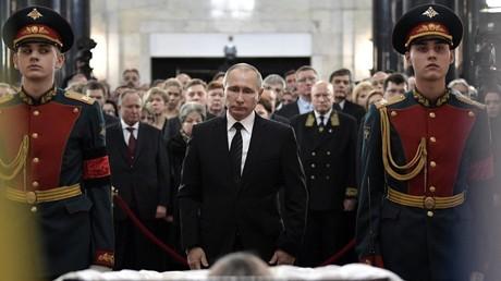 Russischer Botschafter Karlow in Moskau beigesetzt
