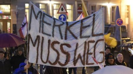 Pegida-Anführer Bachmann: 700.000 Staatsbürger haben Deutschland wegen Merkels Politik verlassen