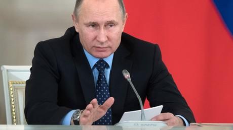 Die Verhandlungen mit der Türkei und dem Iran haben viel versprechende Ansätze und eine Einigung über die Eckpunkte für ein Waffenstillstandsabkommen erbracht, so Putin. Die Lage sei aber immer noch fragil.