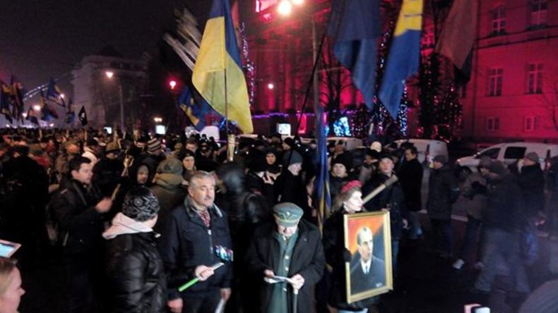 Nationalisten marschieren in Kiew zu Ehren von Stepan Bandera