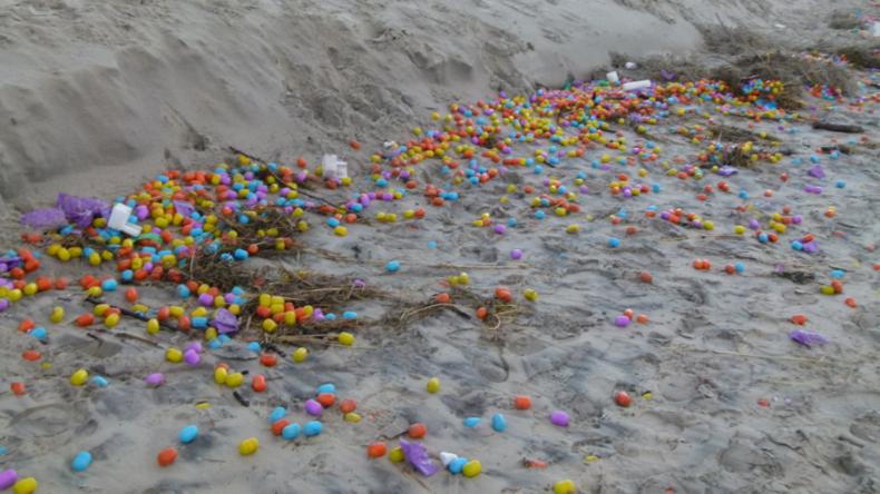 Zehntausende Überraschungseier auf Nordseeinsel Langeoog angespült