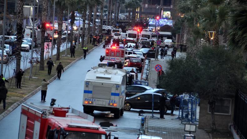 18 Festnahmen nach Izmir-Anschlag – Türkisches Justizministerium