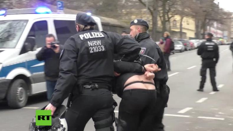 Silvesterübergriffe in Köln: Mehrere Festnahmen bei Protesten Linker und Rechter