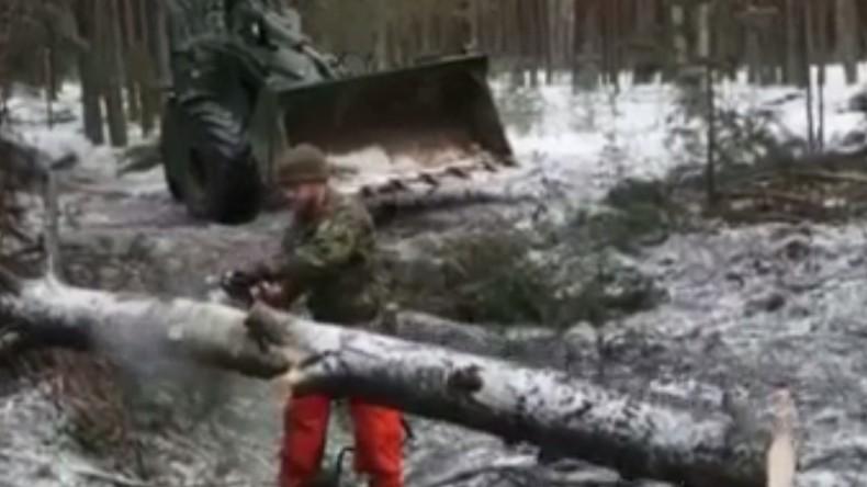 NATO zeigt, wie man eine Panzerkolonne ohne Waffen stoppt [VIDEO]