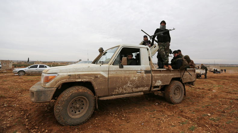 """Syrische Oppositionsgruppen schließen sich dem Kampf gegen Terrormiliz """"Islamischer Staat"""" an"""