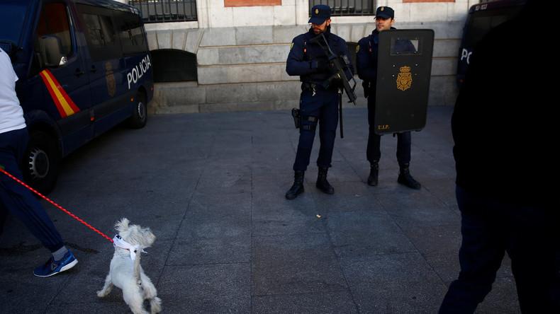 Spanien: Polizei beschlagnahmt über 10.000 für Terroristen bestimmte Waffen und Flugabwehrgewehre