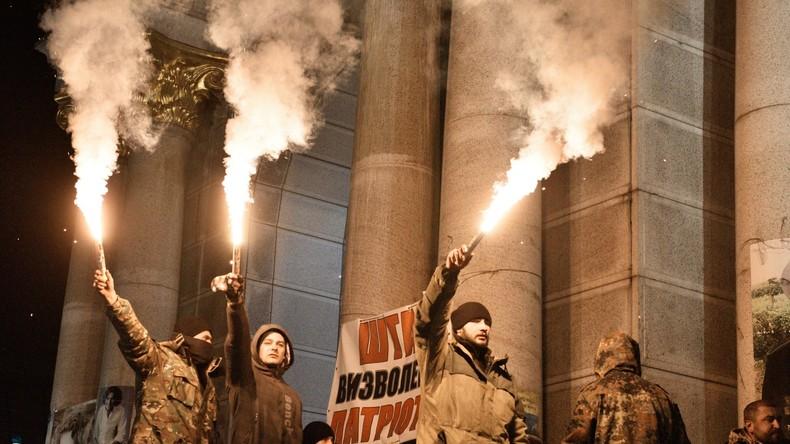 Ukraine: Rechtsextreme sprengen Gerichtstermin und verhindern Aufarbeitung der Maidan-Morde