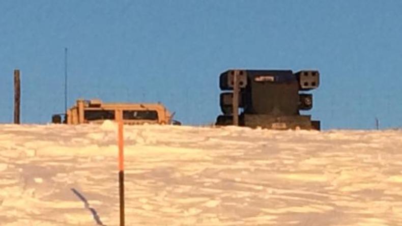 Polizei und Militär stellen offenbar Raketenwerfer in Standing Rock auf