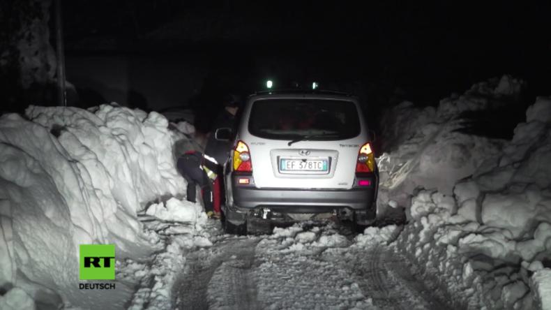 Live: Viele Tote in Italien befürchtet, nachdem Erdbeben massive Lawine auslöst und Hotel begräbt