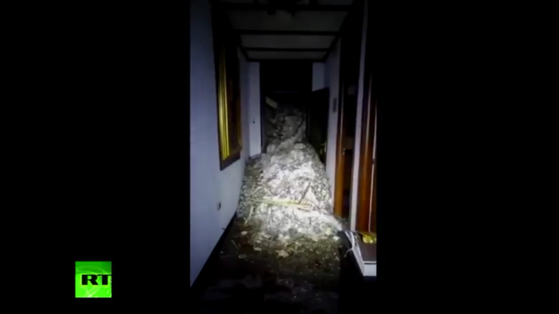 Italien: Viele Tote nach Lawine auf Hotel befürchtet - Das ganze Gebäude wurde um Meter verschoben