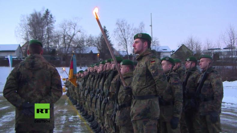 """Bayern: """"Zur Abschreckung Russlands"""" - Deutsches Panzergrenadierbataillon nach Litauen verabschiedet"""