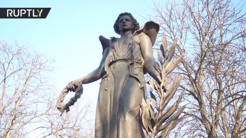 Ungarn weiht Denkmäler für gefallene zaristische und sowjetische Soldaten ein
