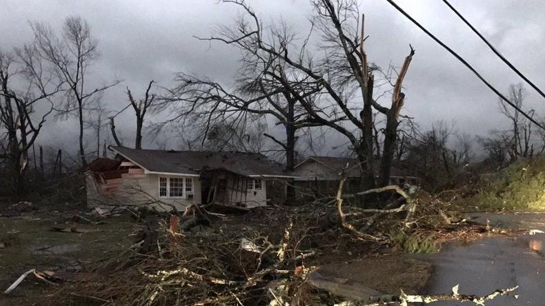 Mindestens 15 Menschen durch Tornados in den USA getötet
