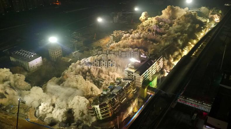 19 Hochhäuser in zehn Sekunden in China abgerissen [VIDEO]
