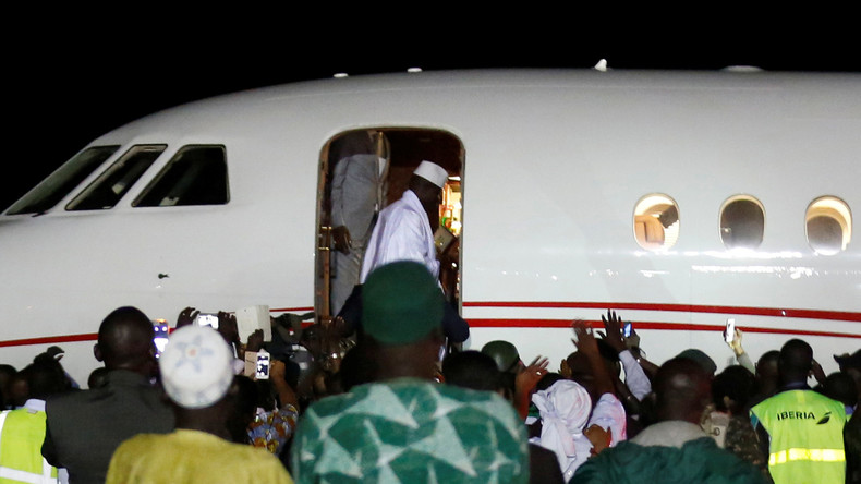 Gambias abgewählter Präsident Jammeh zieht sich friedlich zurück, allerdings mit Staatskasse an Bord