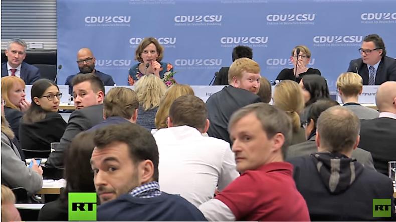 """CDU/CSU-Konferenz gegen """"Hass, Hetze und Fake News"""": Perfekt inszenierte Scheinbeschäftigung"""