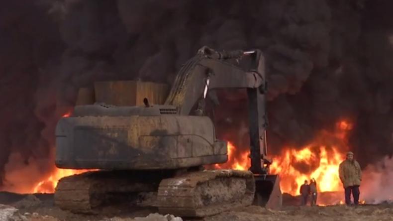 IS zündet Ölreservoirs nahe Mossul an