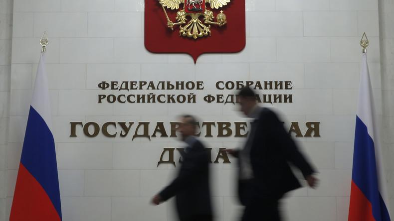 Umstrittenes Gesetz in Russland: Schutz der Familie oder Kniefall vor männlicher Gewalt?