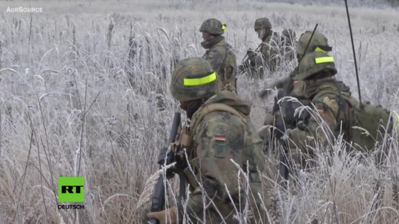 """Grafenwöhr: Deutsche Soldaten trainieren """"scharfen Schuss"""" für Einsatz im Baltikum"""