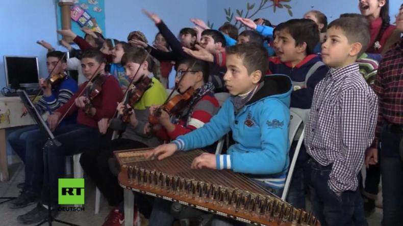 """Russische Kultur und Lieder – Schulkinder in Aleppo lernen """"Syriens großen Freund"""" im Osten kennen"""