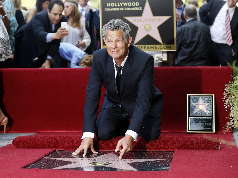 Der kanadische Produzent und Grammy-Inhaber David Foster hat schon mit Stars wie Stevie Wonder und Barbra Streisand zusammengearbeitet. Die Zeitschrift People schreibt, dass Foster es abgelehnt hat, sich an der Vorbereitung der Zeremonie zur Amtseinführung von Trump zu beteiligen.