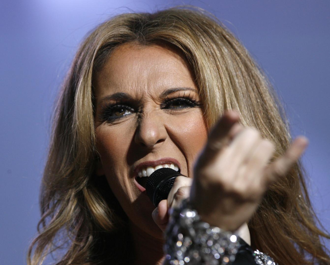 Die kanadische Sängerin Céline Dion hat es auch nach Überredungsversuchen des Hoteliers Steve Will aus Las Vegas abgelehnt, an den Feierlichkeiten teilzunehmen, berichtet die Webseite TheWrap.