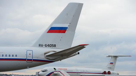 Aus den USA ausgewiesene russische Diplomaten sind in Moskau gelandet