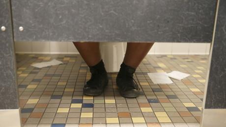 2017 wird alles besser: Genderneutrale Toilette im Einsatz