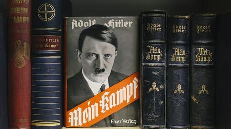 """""""Mein Kampf"""" wird zum Bestseller 2016 in Deutschland"""