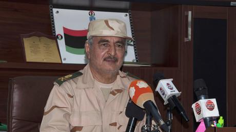 Der ehemals als Partner der CIA fungierende General Chalifa Haftar erklärt der von der UN-anerkannten