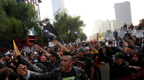 Die Demonstrationen in Mexiko-Stadt gegen die Benzinpreiserhöhungen gehen unvermindert weiter. Mexiko-Stadt, Mexiko, 9. Januar, 2017.