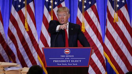 Ein hitziges Wortgefecht lieferte sich der designierte US-Präsident Donald Trump mit einem Reporter von CNN.