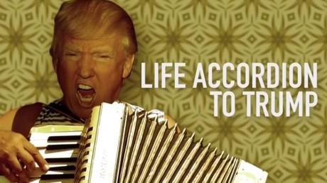 Donald Trump spielt Handharmonika und wird erneut Internet-Star