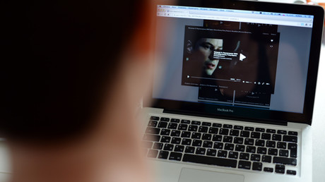 Auch politische Werbung wird künftig auf russischen Onlineportalen untersagt sein. Plattformen wie YouTube sind jedoch davon nicht betroffen.