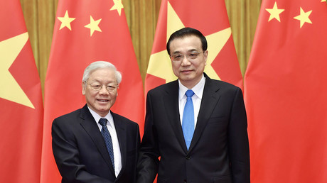 Während seines Besuchs in China traf Nguyen Phu Trong, Generalsekretär der KP Vietnams, den chinesischen Ministerpräsidenten Li Keqiang.