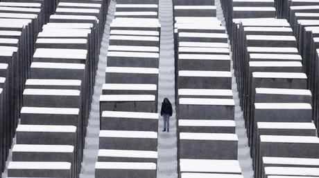 Steine des Anstoßes: In seiner Rede soll Björn Höcke das Holocaust-Gedenken verunglimpft haben.