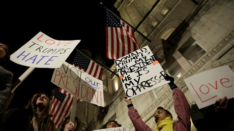 Seit dem Wahlsieg von Donald Trump kommt es vor seinen Hotels immer wieder zu Demonstrationen.