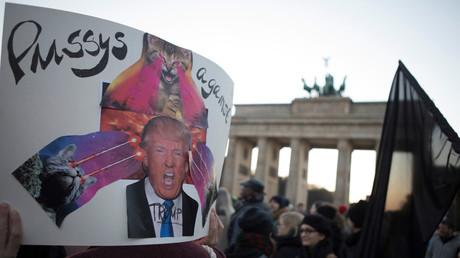 Protest gegen Trump gab es in Berlin auch schon kurz nach dessen Wahl zum neuen US-Präsidenten.