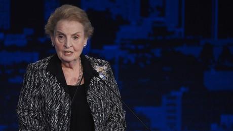 Madeleine Albright will aus Solidarität mit Flüchtlingen zum Islam konvertieren