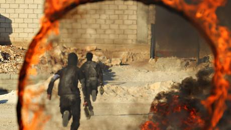 Militante Extremisten trainieren in Idlib, Syrien